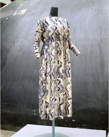 Wiener Werkstätte. Afternoon Dress, 1913–16. Silk textile designed by Dagobert Peche, dress designed by Joseph Wimmer-Wisgrill. Accession Number C.I.64.69.1 at The Metropolitan Museum of Art.