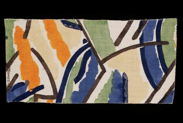 Bell, Vanessa. Pamela, 1913. Printed linen, 40.5 x 19.7 cm. Accession number T.238-1931 at the Victoria and Albert Museum.