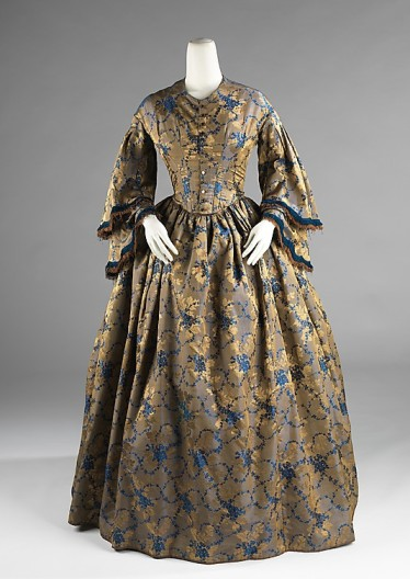 Afternoon dress, ca. 1850-55. The Metropolitan Museum of Art.